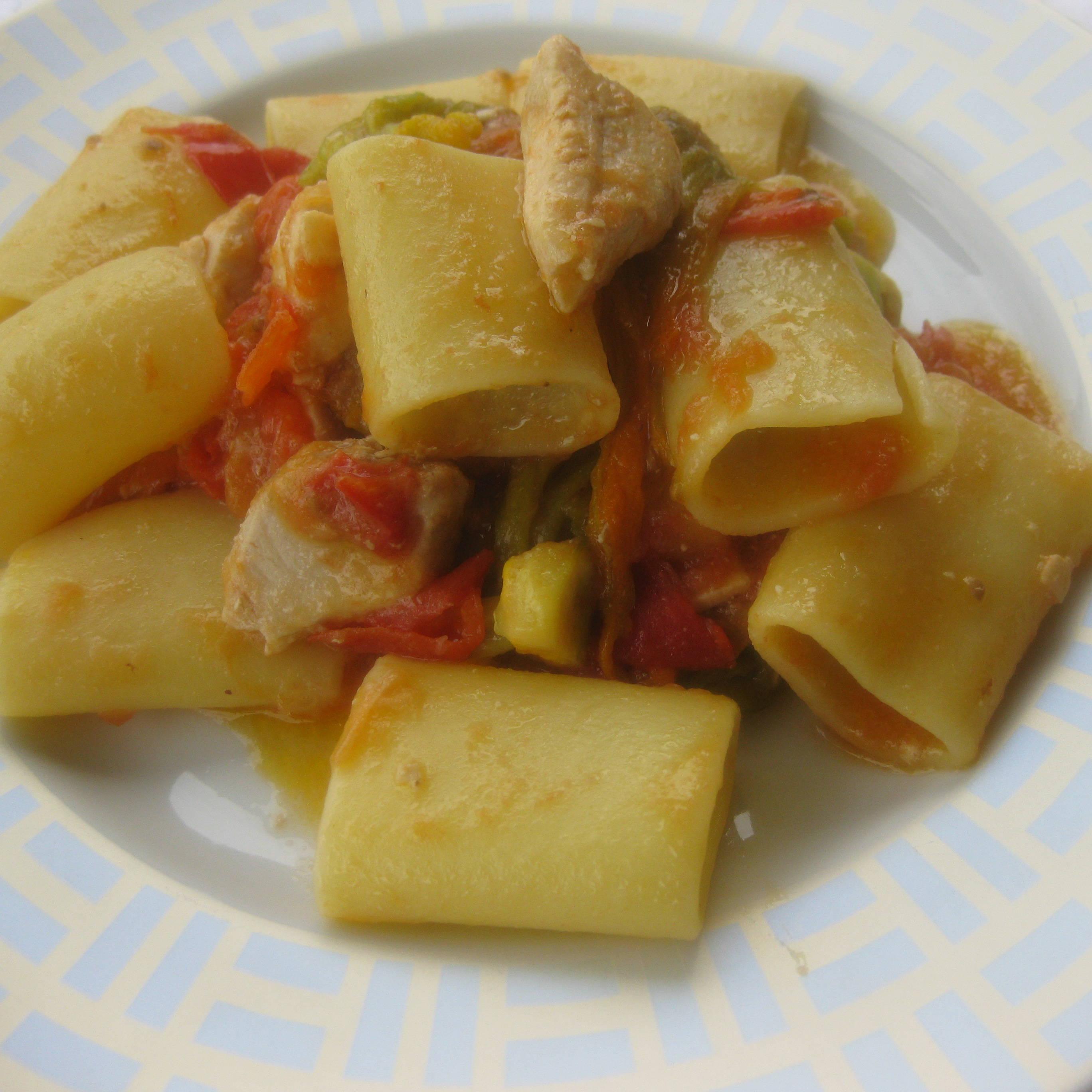 Paccheri Con Pesce Spada E Fiori Di Zucca Fresco Pesce