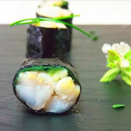 Roll di rana pescatrice alla giapponese fresco pesce for Cuscino sushi