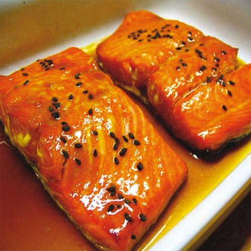 Salmone con salsa di soia e miele d'arancio