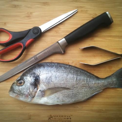 Sai sfilettare il pesce? Ecco i segreti dello chef!