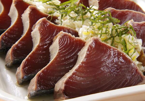 Alla scoperta della palamita il nobori katsuo simbolo for Quanto vive un pesce rosso