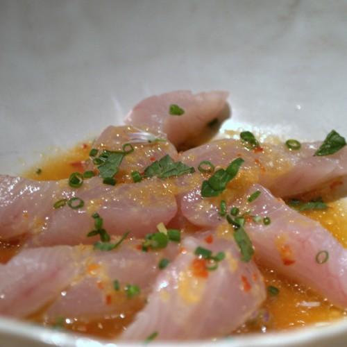 Sashimi di sgombro, con arancia e sakè dolce