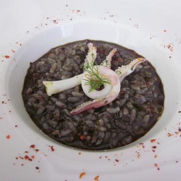 Zuppa di riso al nero di seppia