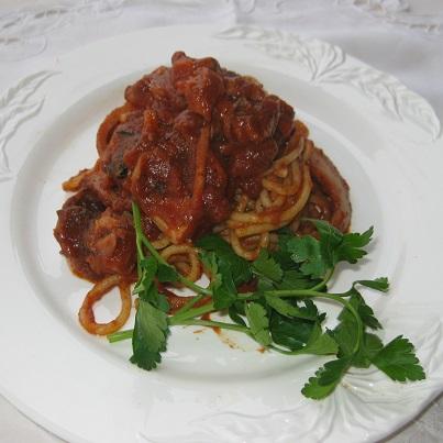 Spaghetti con sugo di seppia