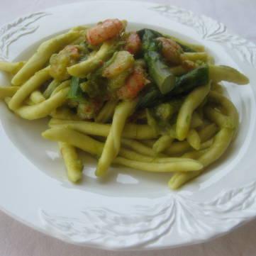 Caserecce con gamberi e crema di asparagi