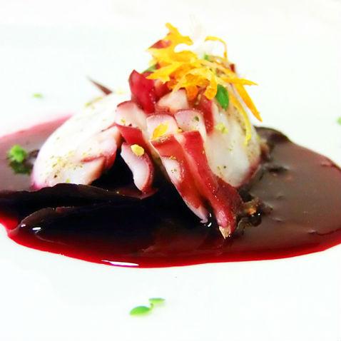 Carpaccio di polpo in salsa rossa