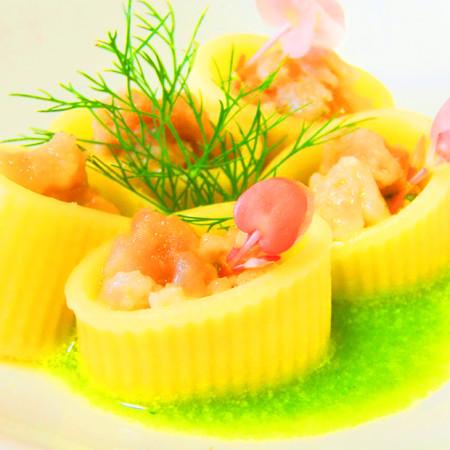 Mezzi paccheri ripieni di tartare di sarago fresco pesce for Siti con ricette di cucina