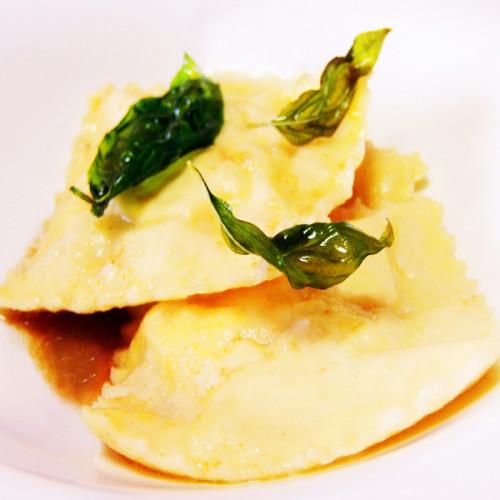 Tortelli quadrati con il ripieno di baccalà mantecato