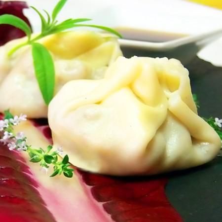 Wonton di gamberi uova di quaglia e radicchio fresco pesce for Uova di pesce rosso