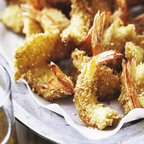 Gamberi in panko bread tempura, con soia e miele di zagara di arancio