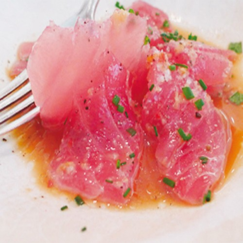 Sashimi di tonno al profumo d'arancia di Sicilia