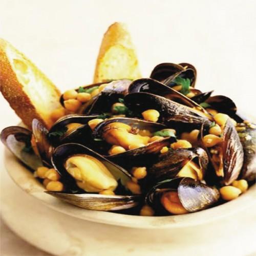 Zuppetta di ceci e cozze, con bruschette di baguette all'aglio