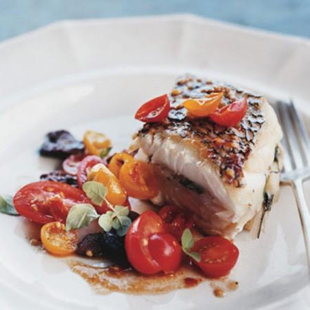 Branzino al wok con datterini e olive nere fresco pesce for Cucinare branzino 5 kg