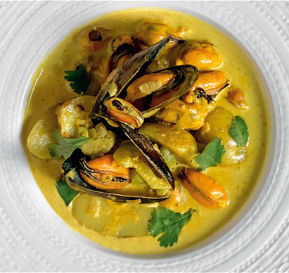 Cozze e patate su crema al curry