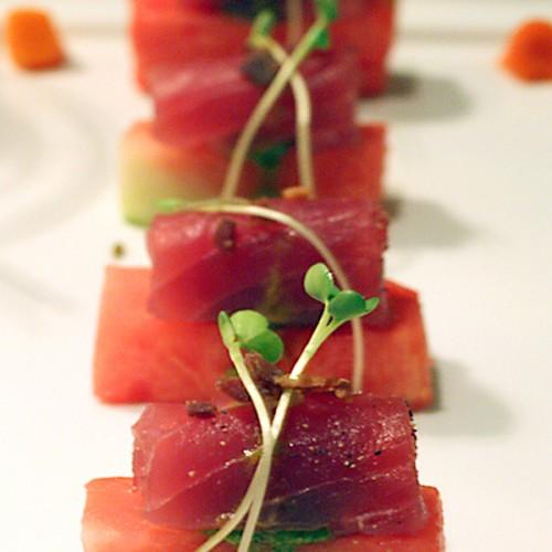 Cruditè di tonno con anguria piccante