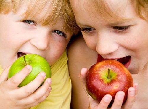 Pesce fresco e non solo: l'alimentazione sana secondo i pediatri