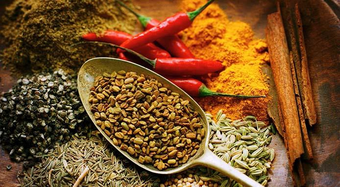 Spezie ed erbe aromatiche per una cucina con poco sale - Fresco Pesce